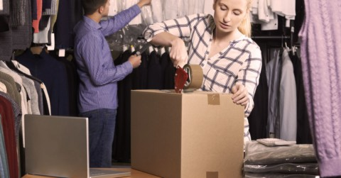 Pros and Cons of Selling On Online Marketplaces